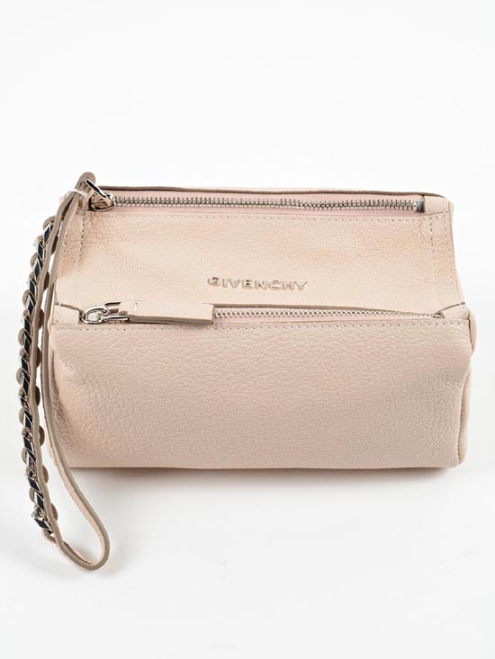 15 F/W 지방시 귀걸이 빅토리안 스타일 마그네틱 이어링 Givenchy