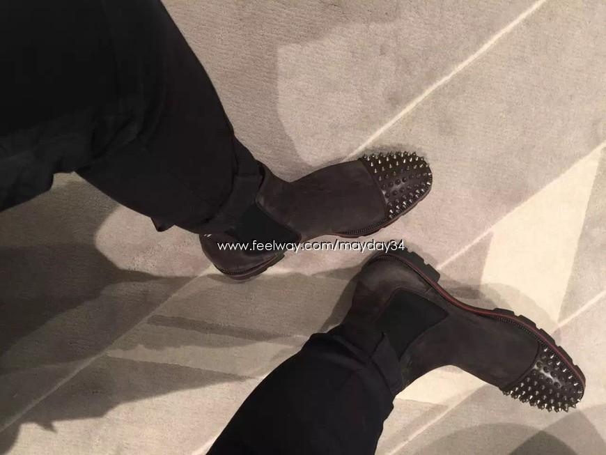 best sneakers a6743 ac8a5 1일배송 16년F/W Melon Spikes Flat Calf Christian Louboutin